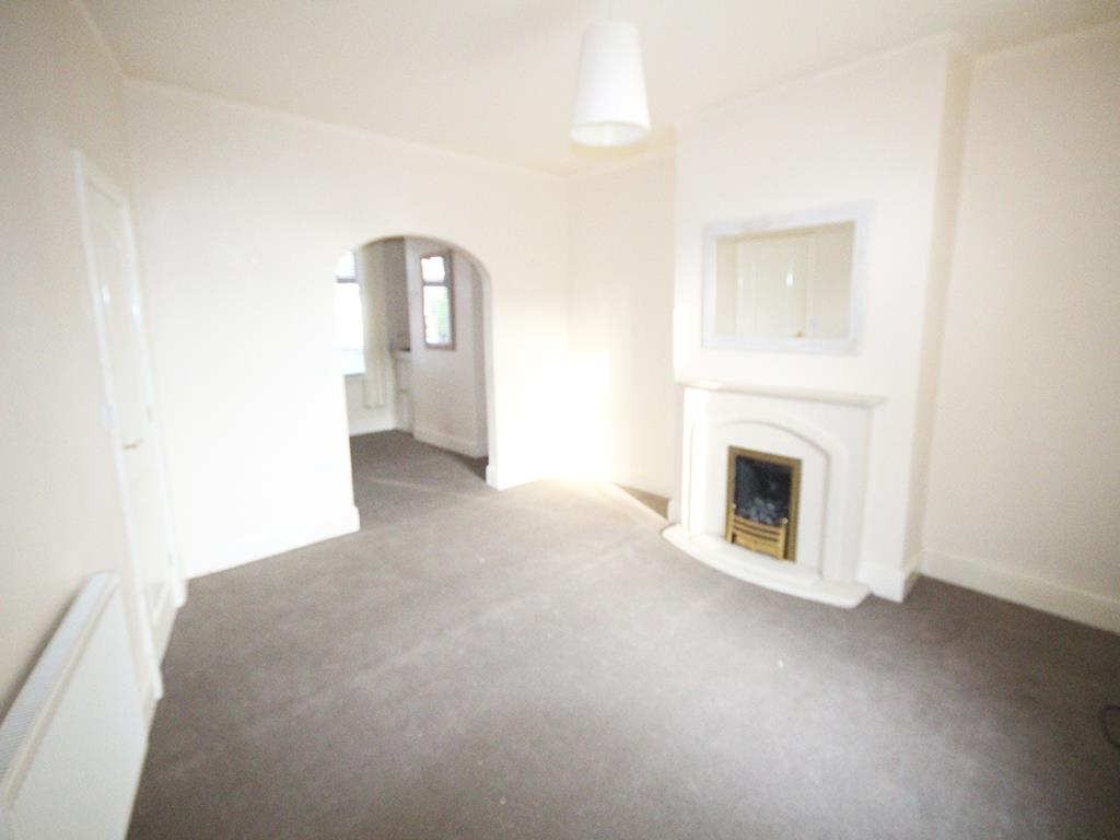 2 bedroom mid terrace house To Let in Fence - Property photograph